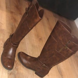 NWOT Womens Guess over the knee boot